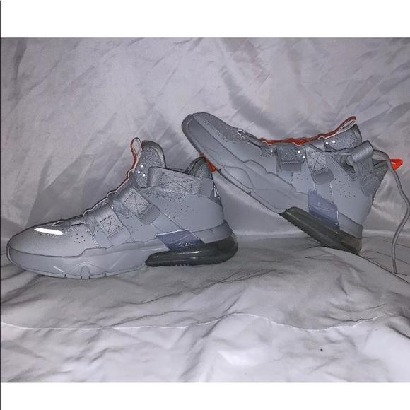 Men's Nike air edge 270 'Pure Platinum</p>                     </div>   <!--bof Product URL --> <!--eof Product URL --> <!--bof Quantity Discounts table --> <!--eof Quantity Discounts table --> </div>                        </dd> <dt class=